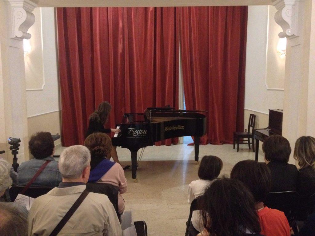 Concerto nella Sala Chopin, Alberto Napolitano Pianoforti, per la promozione dei giovani musicisti