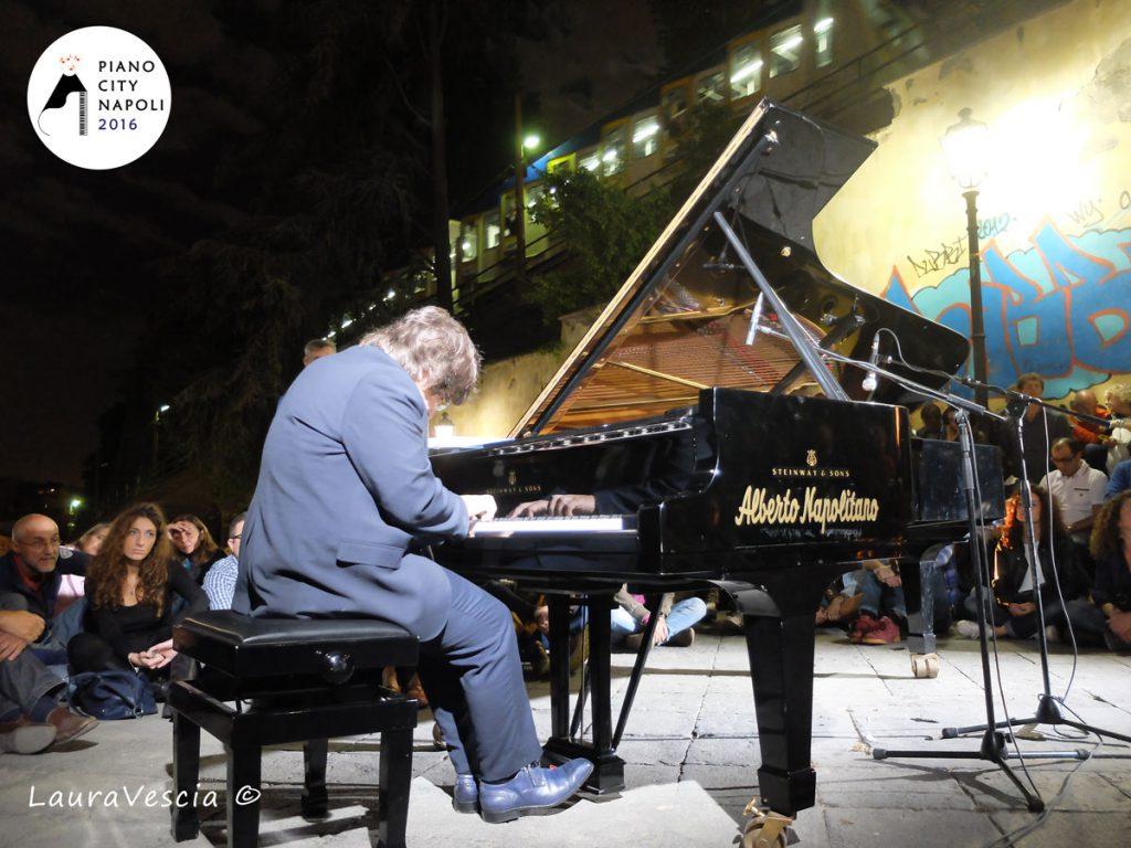 Ramin Bahrami sulla Scala di Montesanto - Piano City Napoli 2016